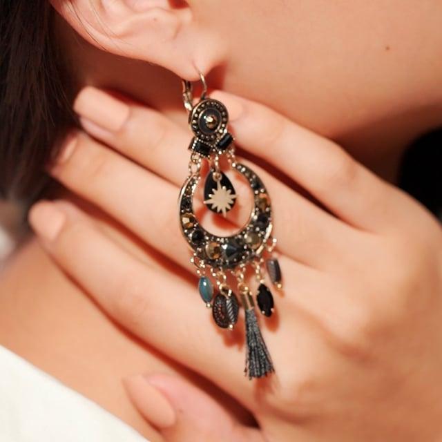 Boucles d'oreilles pompon noir Indian Song