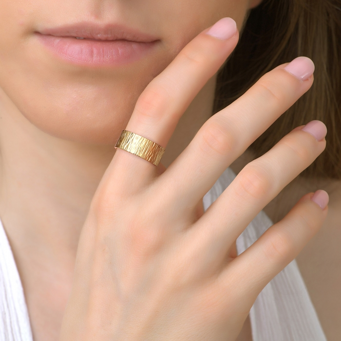 Bague texturée gold is back